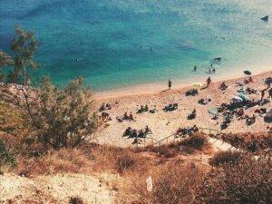 Οι τρεις παραλίες της Αττικής που σε παραπέμπουν σε… νησί