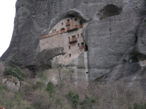Ταξίδι στα Μετέωρα: Το μοναστήρι που προκαλεί δέος